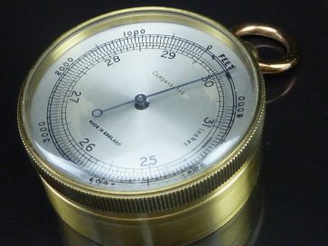 COMPENSATED POCKET BAROMETER