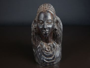 CARVED HARDWOOD WOMANS HEAD