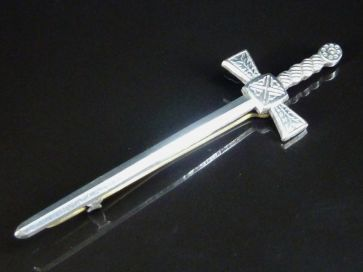 BROADSWORD KILT PIN