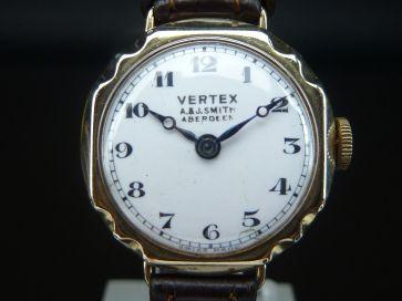 9CT VERTEX LADIES WATCH - 1945