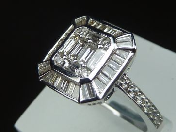 WHITE GOLD BAGUETTE DIAMOND RING *NEW*