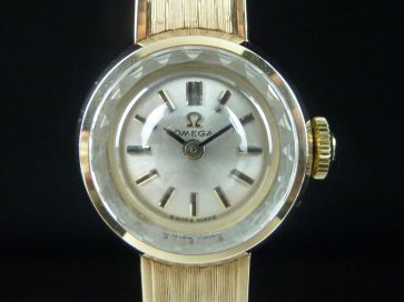 OMEGA 9CT GOLD LADIES WATCH - 1961