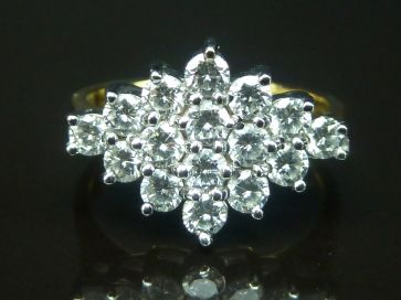 16 STONE DIAMOND RING 18CT