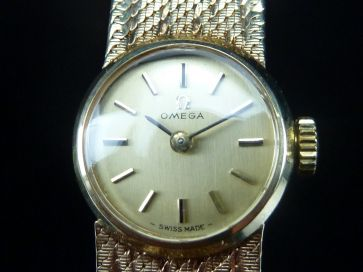 OMEGA 9CT GOLD LADIES WATCH