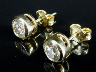 DIAMOND STUD EARRINGS .5Ct EACH