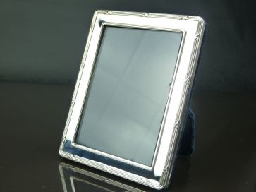 SILVER PHOTO FRAME 106mm x 81mm