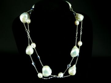 SAPPHIRE & PEARL BAROQUE NECKLACE