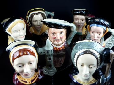 ROYAL DOUTLON HENRY VIII & HIS 6 WIFES