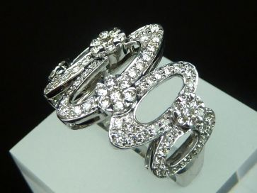 18K FANCY DIAMOND RING
