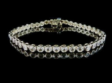 9ct DIAMOND TENNIS BRACELET