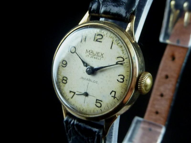Watt S Antiques Vintage Majex 9ct Gold Watch