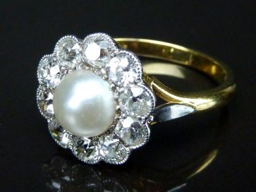 DIAMOND & PEARL CLUSTER RING